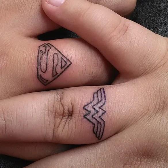 15 Fotos De Tatuajes Pequeños Para Mujeres En Los Dedos De La Mano