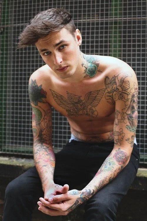 De 100 Fotos De Tatuajes De Famosos Fotos De Tatuajes Hombres 2019