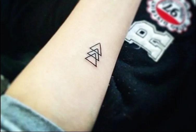 Los Mejores Tatuajes Pequeños Para Hombres 2019 Modaelloscom