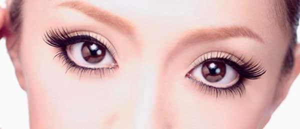 Maquillage pour les yeux étroits