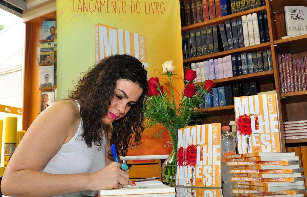 jornalista-karla-maria-reune-em-livro-as-dores-e-as-delicias-de-mulheres-extraordinarias