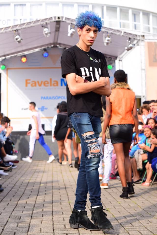 Alex Santos é o estilista idealizador do PIM, projeto que tem revelado talentos das periferias de São Paulo para o mundo - Foto: Túlio Vidal