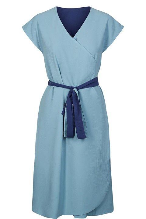 Vestido pareo reversible en tono azul intenso o azul pastel, de la marca Nümph