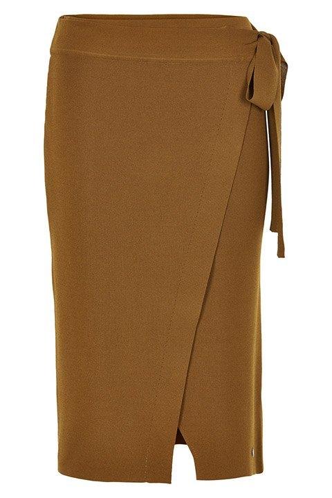 Nümph. Falda de punto en largo midi con goma en la cintura y color coñac.