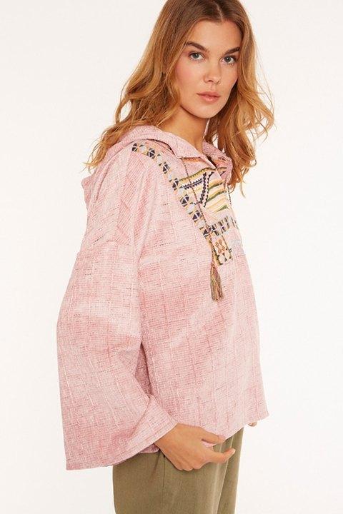 Meisie. Sudadera con capucha en manga larga y pechera con bordado étnico.