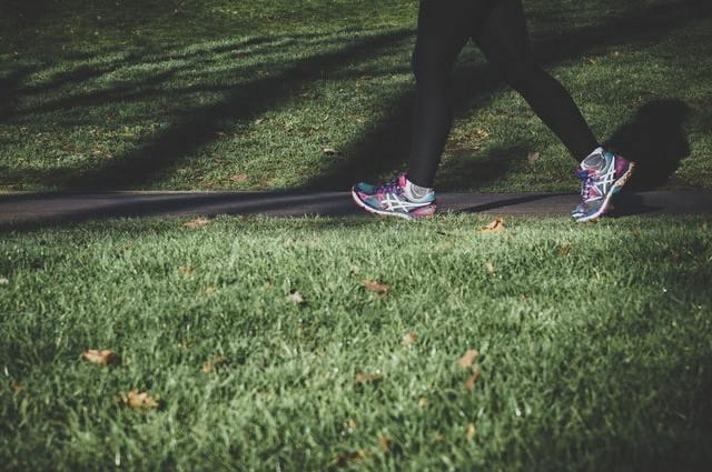 De juiste schoenen voor wandelgenot