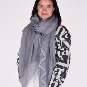 Bianca van Leur shawl wol grijs