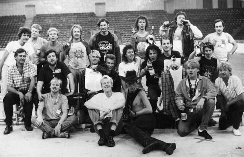Zdjęcie ekipy koncertowej na Torwarze 30.07.1985