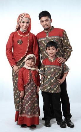 Model baju gamis couple keluarga plus 2 anak terbaru