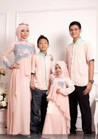 Desain baju lebaran keluarga terbaru
