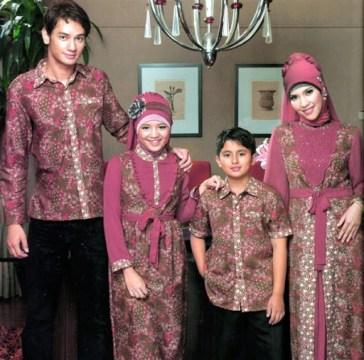 Contoh seragam batik keluarga untuk pernikahan Modern