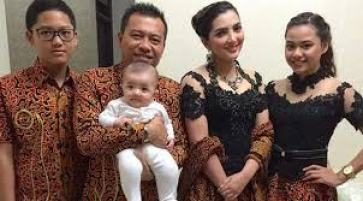 Model Baju Kebaya Seragam Keluarga Pengantin Muslim Modern