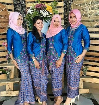 Baju Keluarga Pengantin Malaysia