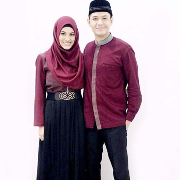 Model Busana Batik Couple Keluarga Modern