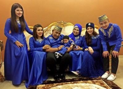 Model Baju Muslim Keluarga Seragam Untuk Lebaran