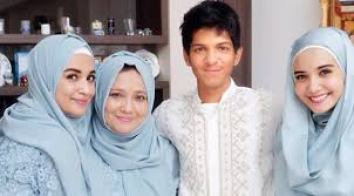 Model Baju Muslim Lebaran Keluarga Modern Terbaru