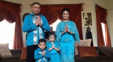 Model Baju Lebaran Keluarga Warna Biru Dongker Terbaru