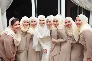 Model Baju Kebaya Keluarga Seragam Pernikahan Terbaru