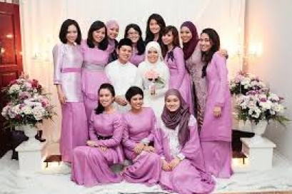 Model Baju Muslim Keluarga ungu Terbaru