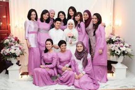Model Baju Kebaya Seragam Keluarga Untuk Pernikahan Modern Terbaru