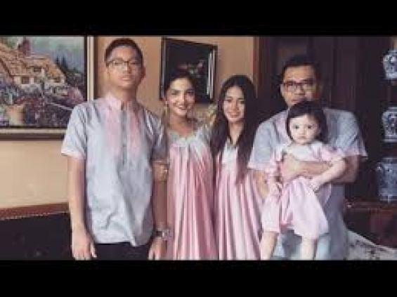 Baju Lebaran Keluarga Anang Ashanty plus anak