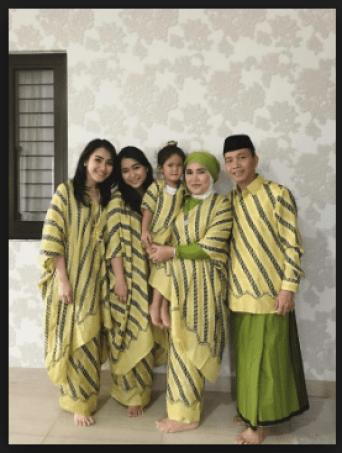 Baju Seragam Keluarga Pesta Pernikahan