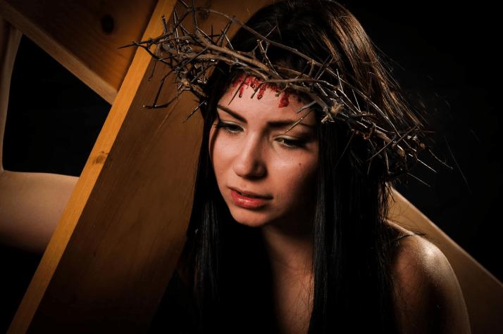 Croix de femme