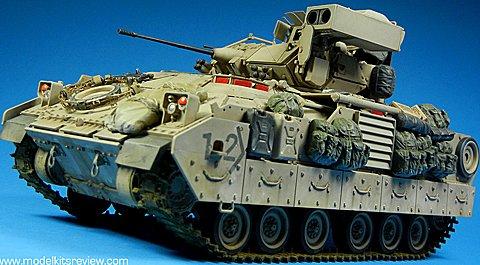 Tamiya 1/35 Bradley M2-A2