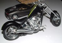 Craig's Harley are they Vance & Hines pipes