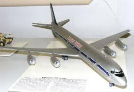 Leigh's DC-8
