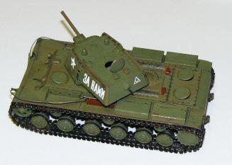 Matt's 1-48 KV-1 with armour
