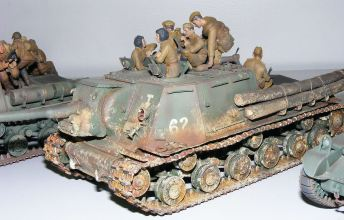 Wayne's ISU-122 showing signs of heavy fighting