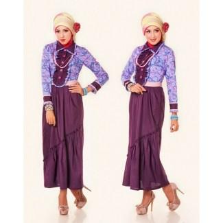 Model Baju Gamis Batik Kombinasi Polos dengan Aksesoris