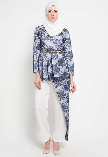 Model Baju Batik untuk Menghadiri Pesta dengan Kombinasi Modern