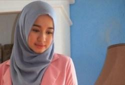 21+ Tutorial Hijab Paris Segi Empat Simple untuk Kuliah, Pesta hingga Wisuda
