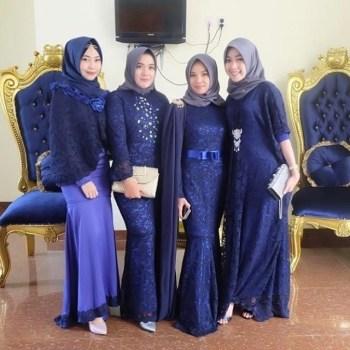 Model Kebaya Brokat Berdesain Simple Khusus Wanita Muslim
