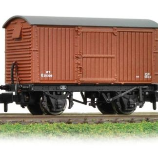 Graham Farish 377-980 12 Ton Eastern Ventilated Van BR Bauxite (Early)