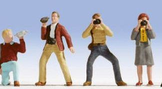 Noch 15571 Photographers (6 figures OO/HO gauge)