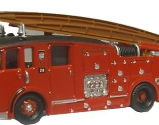 Oxford NDEN001 Dennis F12 Fire Engine - London (N gauge)