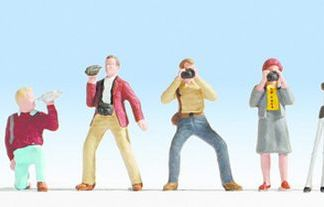 Noch 36571 Photographers (6 figures N gauge)