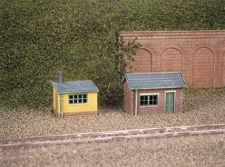 Ratio 237 Lineside Huts (2) (N gauge plastic kit)