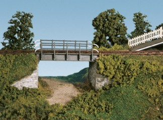 Wills SS32 Occupational Bridge & Stone Abutments, double track (OO gauge plastic kit)