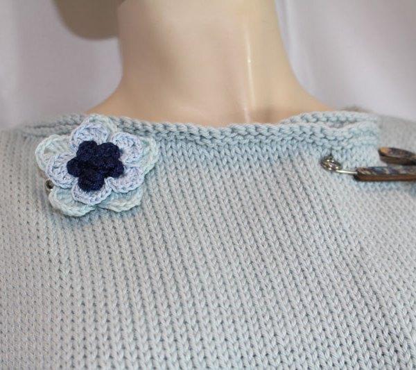 Vous cherchez une veste d'été avec une coupe agréable qui ne marque pas au niveau du ventre/des hanches? Alors la veste à basques en coton est idéale pour vous.