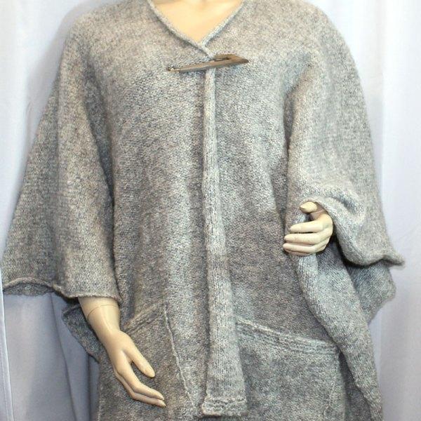Cape à poches couleur gris clair