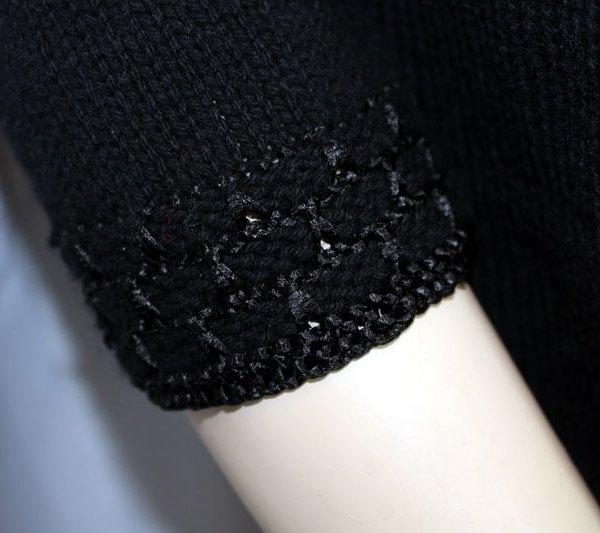 Veste cachemire classique et chic, détail du bas des manches