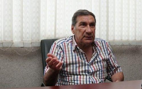 Arif Quliyev ECMO cihazına qoşulub