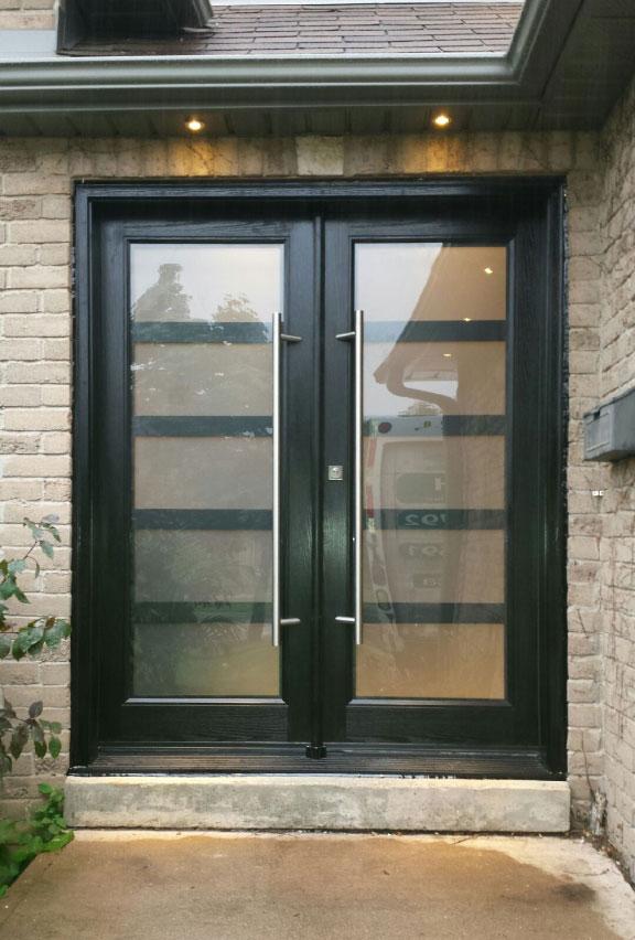 Modern Fiberglass Smooth Doors With Laser Cut Door Lites