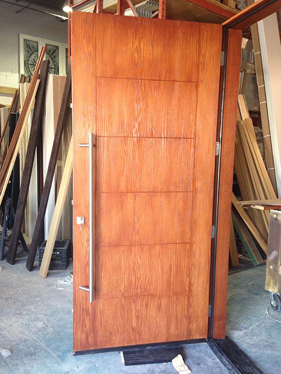 Fiberglass Woodgrain Modern DoorCedar Modern Fiberglass