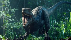 Jurassic World – Chris Pratt and His Dinosaur Family!