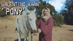 "Booty-Grinding Bass is in the Air! Valentino Khan Drops New Bass House Track ""Pony"""